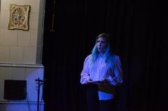 Roxanna Fellman läser poesi